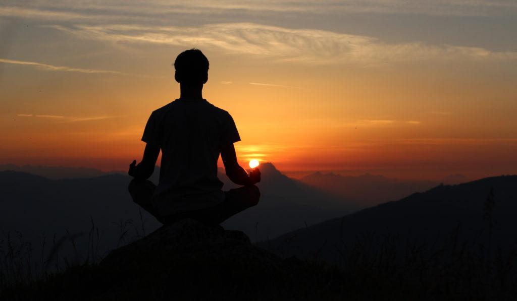 Медитация отлично подходит, чтобы сделать идеальное утро